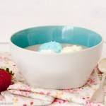 ¡Y no sólo cupcakes!...Natillas de fresas con nubes de colores